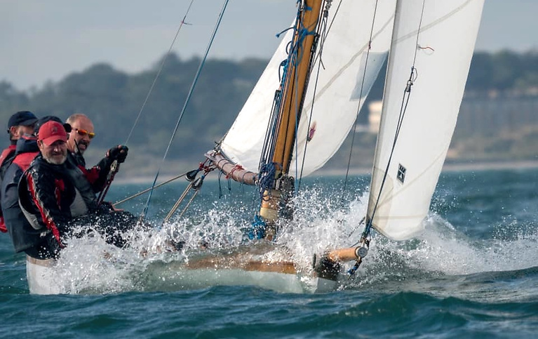 …..but the 1988-vintage Isobel (Brian & Conor Turvey) had a runaway win in the final race to clinch the title