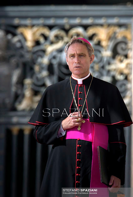 Monsignor Georg Ganswein,Pope Francis during his weekly general audience in St. Peter square at the Vatican, Wednesday.October 8, 2014