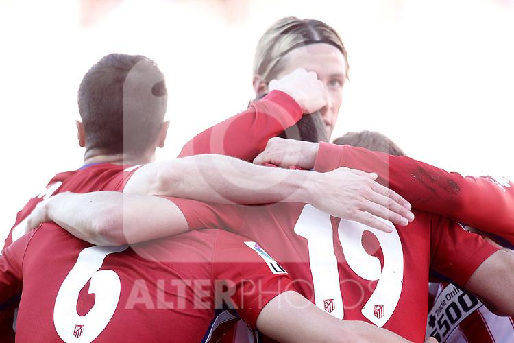 Atletico de Madrid's Fernando Torres celebrates goal with his partners during La Liga match. April 17,2016. (ALTERPHOTOS/Acero)
