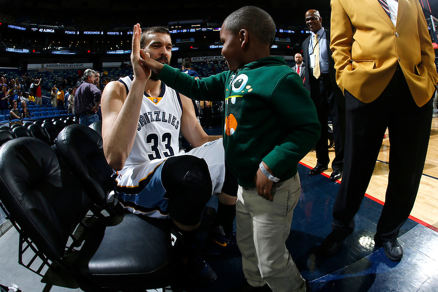 NEW ORLEANS, LA - FEBRUARY 1:  during an NBA game on February 1, 2016 at the Smoothie King Center in New Orleans, Louisiana. NOTE TO USER: User expressly acknowledges and agrees that, by downloading and or using this Photograph, user is consenting to the terms and conditions of the Getty Images License Agreement. Mandatory Copyright Notice: Copyright 2015 NBAE (Photo by Jonathan Bachman/NBAE via Getty Images)