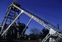 SUDAFRICA - Kimberley, miniera di diamanti di Bultfontein ( Miniere De Beers): esterno della miniera.