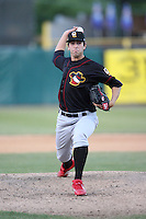May 25, 2008: Quad Cities River Bandits Chuckie Fick (32) makes a pitch against the Kane County Cougars at Elfstrom Stadium in Geneva, IL. Photo by: Chris Proctor/Four Seam Images