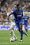 Real Madrid´s Toni Kroos (L) and Juventus´s Paul Pogba during the Champions League semi final soccer match between Real Madrid and Juventus at Santiago Bernabeu stadium in Madrid, Spain. May 13, 2015. (ALTERPHOTOS/Victor Blanco)