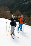 Oesterreich, Salzburger Land, Saalbach-Hinterglemm: beliebtes Skigebiet bei Zell am See, wer ruft denn an | Austria, Salzburger Land, Saalbach-Hinterglemm: popular ski resort near Zell am See, who is calling