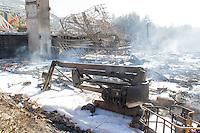 destruction d un batiment du lycee erea louis aragon lors d un incendie sur la commune des pennes mirabeau le jeudi 11 aout 2016