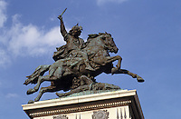 Europe/France/Auvergne/63/Puy-de-Dôme/Clermont-Ferrand: La statue de Vercingetorix sur la place de Jaude