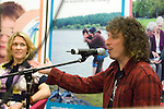 """Welsh musicians Cerys Matthews (Ex Catatonia) and Stuart Cable (Ex Stereophonics) undertaking a question and answer session with members of the public inside Swansea Central Library today, to help publicise the """"Happy Days"""" campaign which demonstrates how libraries can make you happy. .The campaign is running all over Wales.."""