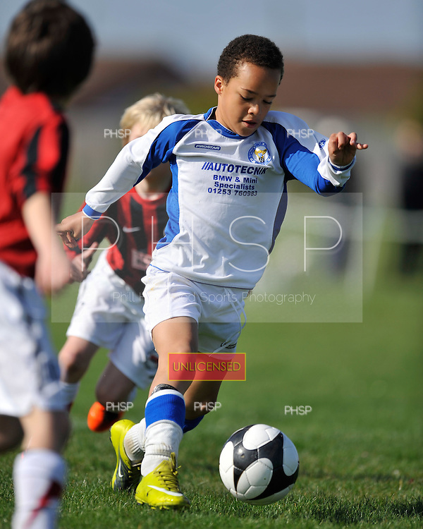 09/04/2011 Coulton cup semi finals....© Phill Heywood.09/04/2011 Coulton Cup Semi Final U-9 Cup BJFF Blades v Poulton..©  Phill Heywood