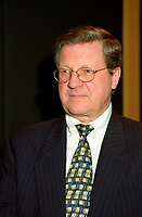 Montreal (Qc) CANADA - 2000 File Photo-Conference de Montreal,Lloyd Axworthy