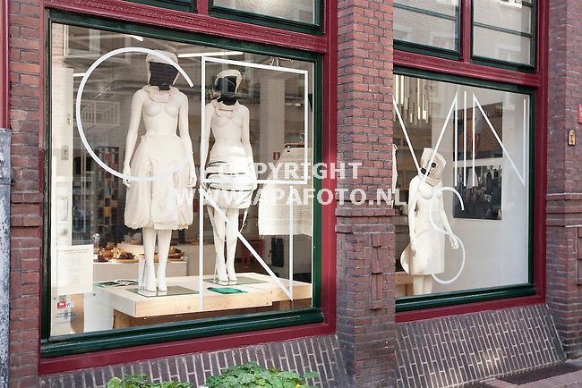 Arnhem 210910 Modewinkel Coming Soon<br /> Exterieur<br /> Foto Frans Ypma APA-foto