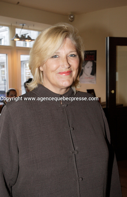 Danielle Ouimet at  Sophie Chiasson book launch, 2006-09-21.<br /> <br /> she is a weather presentator on TVA who won a diffamtion lawsuit against Quebec City Genex radio host Jeff Fillion<br /> Photo by P. Roussel / Images Distribution
