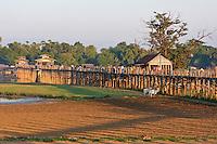 Myanmar, Burma, Mandalay.  U Bein Bridge, Amarapura, a 200-year-old teak footbridge.