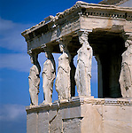 Greece, Attica, Athens: The Erechtheion - the Porch of the Caryatids | Griechenland, Attika, Athen: Korenhalle des Erechtheion - ein Tempel im ionischen Baustil auf der Akropolis in Athen