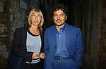 MARCELLO VENEZIANI CON LA MOGLIE<br /> PREMIO LETTERARIO CAPALBIO 2002