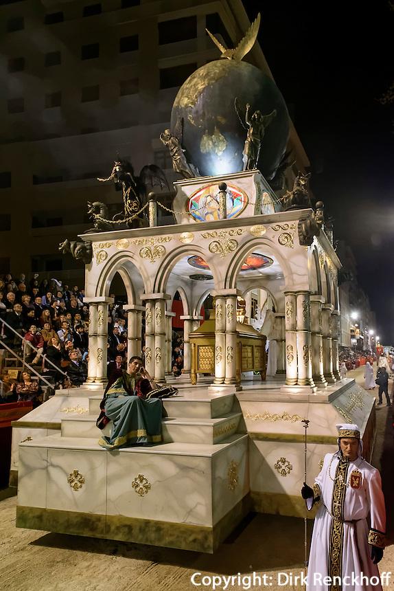 Wagen Offenbarung des Johannes  bei  der Karfreitagsprozession der Semana Santa (Karwoche) in Lorca,  Provinz Murcia, Spanien, Europa
