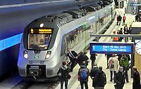 Der erste Zug rollt am Dienstag (01.10.2013) durch den Citytunnel am Bayrischen Bahnhof. Die erste offizielle Testfahrt ging von der Station Hauptbahnhof mit allen Unterwegshalten nach dem Halt Bayrischer Bahnhof für die technischen Mitarbeiter der Deutschen Bahn noch weiter auf der neu gebauten Strecke. Die offizielle Eröffnung des Tunnels für alle Reisenden wird am 15. Dezember 2013 sein. Foto: Norman Rembarz