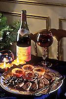 Gastronomie générale/Repas de Réveillon: Selle de chevreuil,aux champignons des bois, compote d'airelles,  purée de cèleri servi avec un vin de Beaune