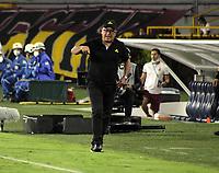 IBAGUE-COLOMBIA, 12-03-2021: Alberto Suarez, tecnico de Jaguares de Cordoba F. C. durante partido entre Deportes Tolima y Jaguares de Cordoba F. C. de la fecha 12 por la Liga BetPlay DIMAYOR I 2021, jugado en el estadio Manuel Murillo Toro de la ciudad de Ibague. / Alberto Suarez, coach of Jaguares de Cordoba F. C.during a match between Deportes Tolima and Jaguares de Cordoba F. C. of the 12th date for the Liga BetPlay DIMAYOR I 2021, played at Manuel Murillo Toro stadium in Ibague city. / Photo: VizzorImage / Juan Torres / Cont.