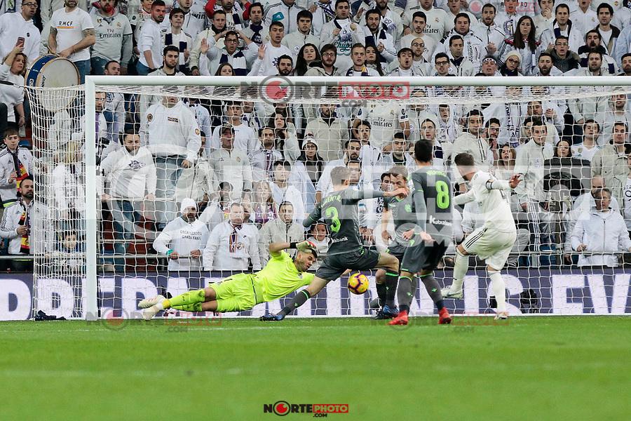 Real Sociedad's Geronimo Rulli during La Liga match between Real Madrid and Real Sociedad at Santiago Bernabeu Stadium in Madrid, Spain. January 06, 2019. (ALTERPHOTOS/A. Perez Meca)<br />  (ALTERPHOTOS/A. Perez Meca) /NortePhoto.com