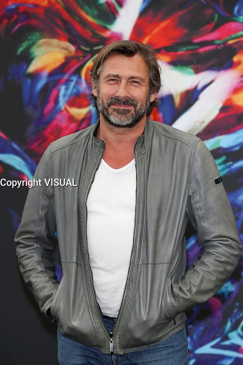 Bernard YERLES - PHOTOCALL 'LA VENGEANCE AUX YEUX CLAIRS' - 56E FESTIVAL DE TELEVISION DE MONTE-CARLO