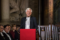 Der Theologe Christian Staeblein ist am Samstag (16.11.2019) mit einem Festgottesdienst in der Berliner Marienkirche in sein Amt als neuer evangelischer Bischof fuer Berlin, Brandenburg und die schlesische Oberlausitz (EKBO) eingefuehrt worden. Bei einem Festgottesdienst wurde zugleich sein Amtsvorgaenger Markus Droege nach zehn Jahren im Bischofsamt in den Ruhestand verabschiedet. An der Feier nahmen rund 700 Gaeste teil, darunter neben zahlreichen Bischoefen anderer Landeskirchen und Gemeindemitgliedern auch der Regierende Buergermeister von Berlin, Michael Mueller, und Brandenburgs Ministerpraesident Dietmar Woidke (beide SPD).<br /> Im Bild: Heinrich Bedford-Strohm, Ratsvorsitzender der Evangelischen Kirche Deutschland, EKD.<br /> 16.11.2019, Berlin<br /> Copyright: Christian-Ditsch.de<br /> [Inhaltsveraendernde Manipulation des Fotos nur nach ausdruecklicher Genehmigung des Fotografen. Vereinbarungen ueber Abtretung von Persoenlichkeitsrechten/Model Release der abgebildeten Person/Personen liegen nicht vor. NO MODEL RELEASE! Nur fuer Redaktionelle Zwecke. Don't publish without copyright Christian-Ditsch.de, Veroeffentlichung nur mit Fotografennennung, sowie gegen Honorar, MwSt. und Beleg. Konto: I N G - D i B a, IBAN DE58500105175400192269, BIC INGDDEFFXXX, Kontakt: post@christian-ditsch.de<br /> Bei der Bearbeitung der Dateiinformationen darf die Urheberkennzeichnung in den EXIF- und  IPTC-Daten nicht entfernt werden, diese sind in digitalen Medien nach §95c UrhG rechtlich geschuetzt. Der Urhebervermerk wird gemaess §13 UrhG verlangt.]