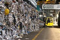 - plant for digestion and recycle of the solid urban waste, paper recovery ....- impianto per lo smaltimento e il riciclo dei rifiuti solidi urbani, recupero della carta
