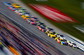 #4: Kevin Harvick, Stewart-Haas Racing, Ford Fusion Jimmy John's and #18: Kyle Busch, Joe Gibbs Racing, Toyota Camry M&M's