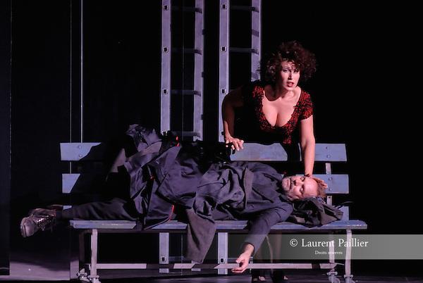 WELCOME TO THE VOICE - Steve Nieve..Théâtre du Chatelet - Paris..15 november 2008....Dionysos - Sting..Le fantome de Carmen - TODOROVITCH Marie Ange....Credit : Laurent PAILLIER / ArenaPAL