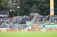 Polizei trennt die beiden Fanlager - 01.10.2016: SV Darmstadt 98 vs. SV Werder Bremen, Johnny Heimes Stadion am Boellenfalltor