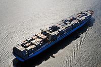 Containerschiff Charlotte Maersk in der Elbe: EUROPA, DEUTSCHLAND, HAMBURG, (EUROPE, GERMANY), 16.04.2009:Containerschiff Charlotte Maersk in der Elbe