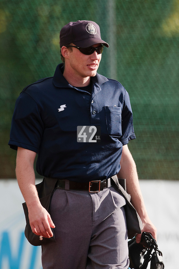 16 October 2010: Umpire Serge Makouchetchev is seen during Rouen 16-4 win over Savigny, during game 1 of the French championship finals, in Savigny sur Orge, France.