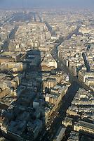 - Paris, panorama from Tour Montparnasse and skyscraper shadow....- Parigi, panorama dalla Tour Montparnasse ed ombra del grattacielo