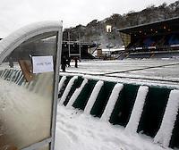 Photo: Richard Lane/Richard Lane Photography.  London Wasps v Newport Gwent Dragons. Heineken Cup. 19/12/2010. Adams Park in the snow.