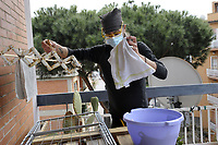 PROGETTO ARCA<br /> Il cohousing di Casa Arca di Roma.<br /> Stendere il bucato.