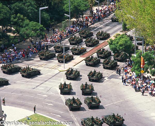 aerial photograph of military tanks on  La Reforma participating in the Independence Day Parade, Mexico City | fotografía aérea de tanques militares en La Reforma participando en el Desfile del Día de la Independencia, Ciudad de México