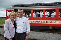 """Europe/Suisse/Jura Suisse/ Le Noirmont: Hôtel-Restaurant de la Gare :""""Georges Wenger""""   Andréa et Georges Wenger et leur équipe à la gare de Le Noirmont  dans  un des petits trains rouges du Jura Suiss"""