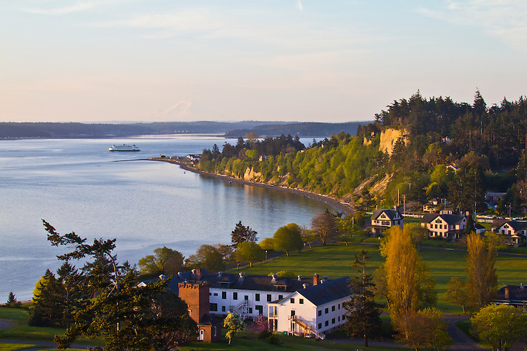 Puget Sound, Port Townsend, Mount Rainier, Washington State Ferry, Fort Worden, Washington State Parks, sunrise, Olympic Peninsula, Washington State, Pacific Northwest, USA, ferry route: Coupeville to Port Townsend