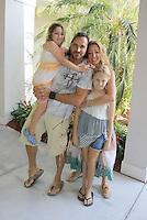 Thorsten Kaye & family - Media 24