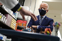 President Joe Biden visits the Viral Pathogenesis Laboratory at the National Institutes of Health, on Thursday, February 11, 2021 in Bethesda, Maryland. <br /> CAP/MPI/RS<br /> ©RS/MPI/Capital Pictures