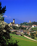 Italy, South Tyrol, Alto Adige, Dolomites, Fie allo Sciliar with parish church and St. Peter church