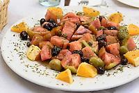 Salat mit Tomaten, Oliven und Orangen,  Provinz Murcia, Spanien, Europa