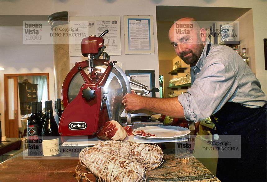 """- Italian food , typical kitchen of the Emilia region, restaurant """"Da Ivan"""" in Roccabianca (Parma), the owner Aldo Boselli<br /> <br /> - Cibo italiano, cucina tipica della regione Emilia, ristorante """"Da Ivan"""" di Roccabianca (Parma), il titolare Aldo Boselli"""