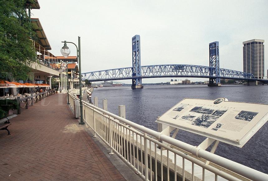 AJ4029, Jacksonville, Florida, The Riverwalk along St. John's River in downtown Jacksonville in the state of Florida.