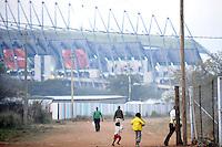 Le strade del villaggio di Sun City a 200 metri dal Royal Bafokeng Stadium di Rustenburg.USA Ghana 1-2 - USA vs Ghana 1-2.Ottavi di finale - Round of 16 matches.Campionati del Mondo di Calcio Sudafrica 2010 - World Cup South Africa 2010.Royal Bafokeng Stadium, Rustenburg, 26 / 06 / 2010.© Giorgio Perottino / Insidefoto .