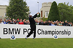 Darren Clarke (NIR) tees off on the 1st tee to start his round on Day 2 of the BMW PGA Championship Championship at, Wentworth Club, Surrey, England, 27th May 2011. (Photo Eoin Clarke/Golffile 2011)