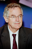 pr_99-12-10-A 24<br /> Montreal, 1999-12-10. The President of Montreal INternational ;  Francis Fox at the annual general meeting hel din Montreal.<br /> A former Minister of communication in the (Canadian) liberal government, Francis Fox is also a board member of various companies such as Cantel and Astral Comunications<br /> Photo : (c) Pierre Roussel