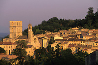 Europe/France/Provence-Alpes-Côte d'Azur/04/Alpes de Haute Provence/Forcalquier: Vue Générale
