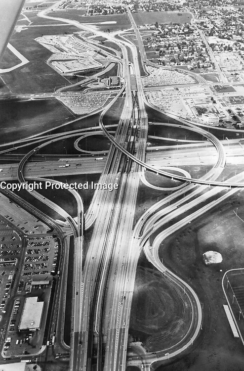 Up in air: That picture of the Spadina expressway interchange with Highway 401 doesn't show the fumes and frayed tempers of rush-hour as cars head downtown<br /> <br /> Photo : Boris Spremo - Toronto Star archives - AQP