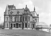 """Duncan McIntyre's house """"Craguie"""", McGregor Street (now Drummond Street), Montreal, QC, about 1890, destroyed in 1930 to make place in 1965 to the McIntyre Medical Sciences and Stewart Biological Sciences Buildings. About 1890"""
