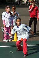 17-9-09, Netherlands,  Maastricht, Tennis, Daviscup Netherlands-France, Straattennis op de markt